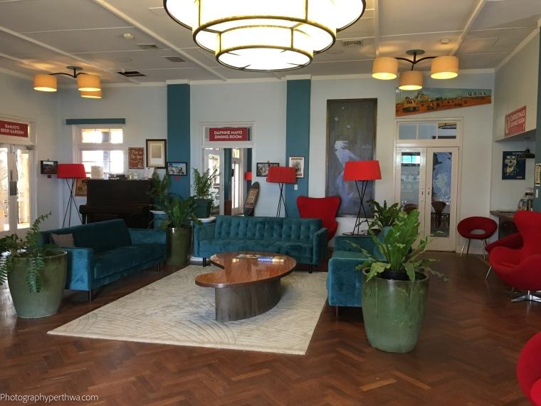 Art Deco interior (1 of 1)